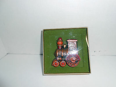Hallmark Ornaments YESTERYEARS 1976 TRAIN Ornament MINT IN BOX FREE SHIPPING