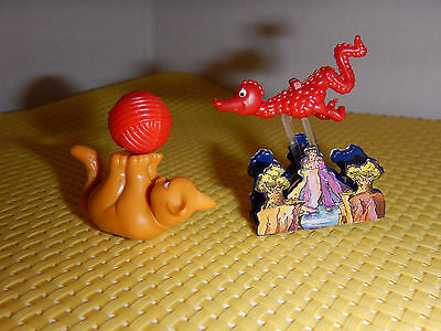 Vintage Ferrero lot of 2 Mini Kinder surprise egg toy figures- Cat and Lizard