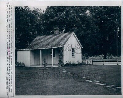 1964 President Herbert Hoover Birthplace Cottage West Branch Iowa Press Photo