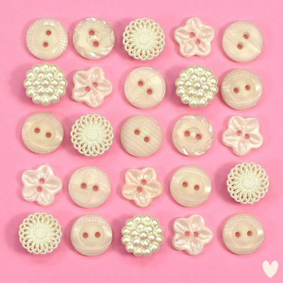 DRESS IT UP Buttons Heirloom Collection 77 - Embellishments Vintage