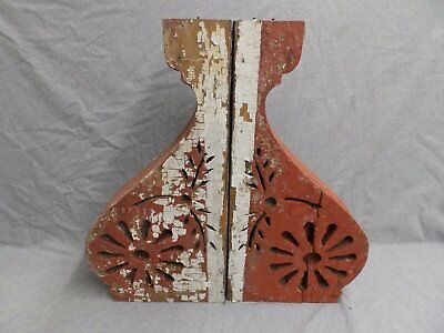 Antique Pair Wood Corbels  Shabby Old Chic Roof Victorian Vtg Gingerbread 308-16