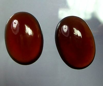 A PAIR OF 8x6mm OVAL CABOCHON-CUT NATURAL INDIAN ALMANDITE GARNET GEMSTONES