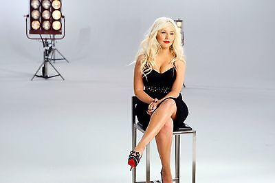 Christina Aguilera 8X10 Glossy Photo Picture Image #9