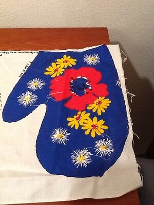 Vintage 1970s Oven Mitt Fabric Project Panel Mitten Red Yellow Blue Calico