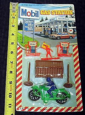1970S Rare Sealed On Pkg Card Mobile Gas Station Play-Set Motorcycle Gas Pumps +