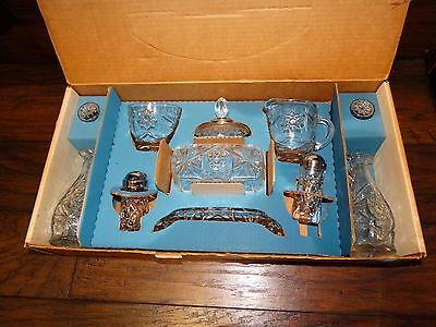 14032/ Vintage ANCHOR HOCKING 11 PC Early American Prescut TABLE SERVICE in BOX