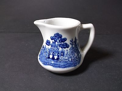 Shenango  blue willow restaurant weight creamer