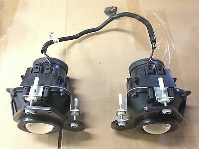 USED -- Can-Am Spyder Front Lamp Head Fog Light -- Left & Right Side w/ Harness