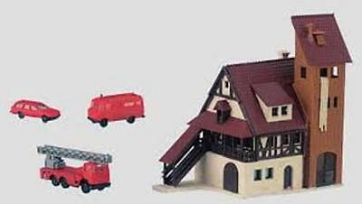 New Marklin 89800 Mini Club Z Gauge Fire Station & Vehicles Kit Coloured