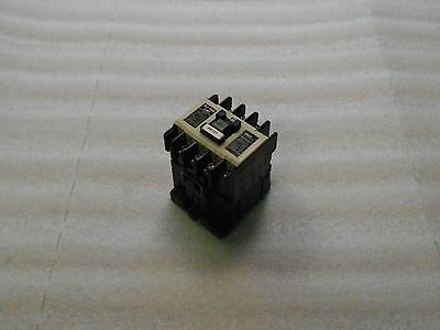Fuji Electric Magnetic Contactor, SJ-1SG (18), Used, Warranty