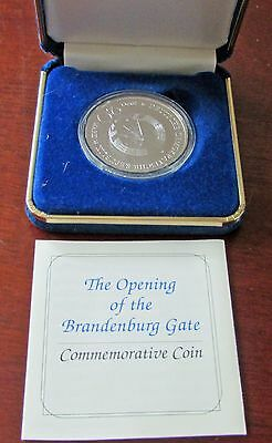 East Germany Brandenburg Gate  1990  20 Marks .999 Silver With Coa German Coin