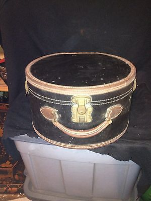 """Early Rd 14"""" Leather Suit Case Hat Box W/brass Clasp"""