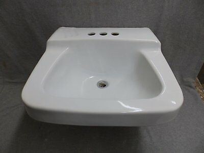 Vintage White Porcelain Ceramic Bathroom Wall Sink Old Plumbing Fixture 490-16