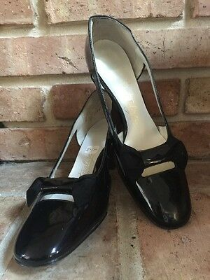 Vintage NATURALIZER BLACK Size 7 1/2 AA Patent Leather Heels BOWS