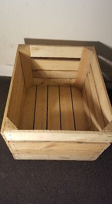 Light Natural Vintage Wooden Apple Fruit Crate Rustic Old Bushel Box Hamper....