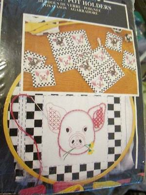 Cow & Pig Coasters/Pot Holders Stamped Linens 13x13 Inches (32.5x32.5cm)-Won