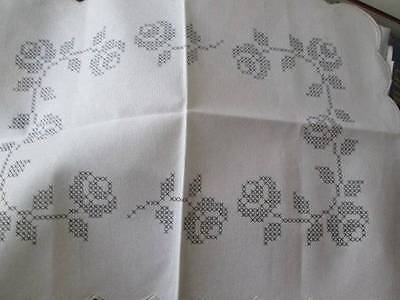 Rico Roses Stamped Cross Stitch Doily/Placemat-14x19 inches (35.5x48cm) 100% Cot