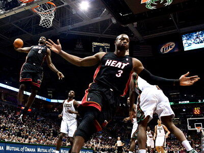 D8871 LeBron James Dwyane Wade Alley-oop NBA Gigantic Print POSTER