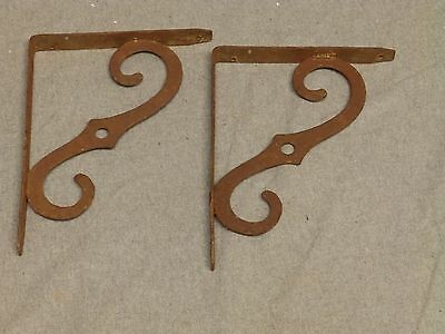 Vintage Pair Rusty Rustic Steel Shelf Brackets Supports Old Hardware 564-16