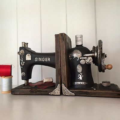 FABULOUS VINTAGE RETRO SINGER SEWING MACHINE BOOKENDS HEAVY APPROX 2.3kg NEW