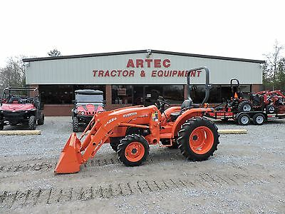 2013 Kubota L3200 4Wd Tractor With Loader - John Deeere - Mahindra- Very Clean!!