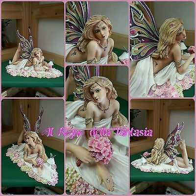 Jewelled Fairy Elfen Fees Fata Fatina Petalite Sdraiata Con Fiori By Nemesis Now