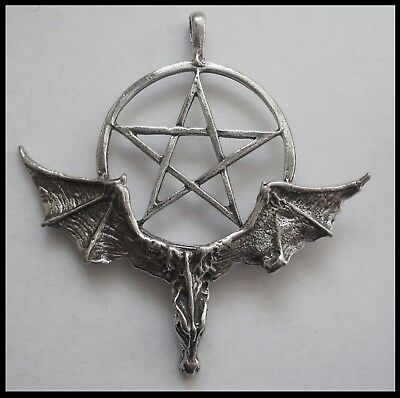 PEWTER CHARM #1117 BAT & PENTAGRAM (53mm x 51mm) 1 bail WINGS OUT