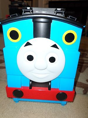 2009 Mattel Thomas and Friends carry along train carrier playset