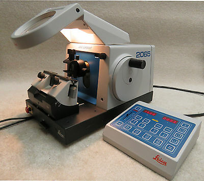 Leica Supercut 2065 Rotary Microtome - with Full Automation & Lighted Magnifier