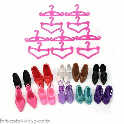 10 or 24 BARBIE DOLLS SIZED HANGERS & SHOES BOOTS HEELS COMBOS UKSELLER FREE P&P