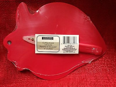 Red Strawberry Shaped CUTTING BOARD WITH KNIFE  9 1/2 IN. X 6 3/4 INCH BRAND NEW