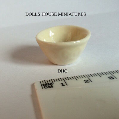 Traditional Mixing Bowl, Dolls House Miniatures, 1.12 Scale Kitchen Accessory