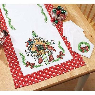 "Herrschners Christmas Birdhouse Table Runner 20 x 50""/51 x 127cm & 4 Napkins - 1"