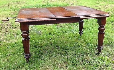 Victorian Mahogany Wind Out Dining Table . Carved Legs 4 - 6 Seater