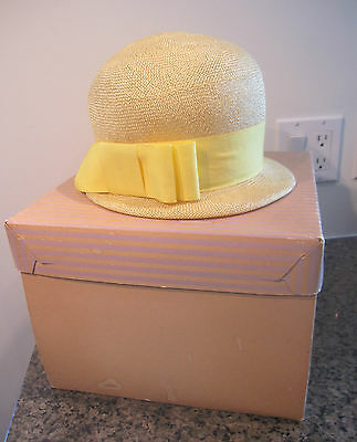 Vintage 1960s Womens Ladies Yellow STRAW Cloche Hat with ribbon M made in USA