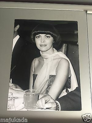 MIREILLE MATHIEU - PHOTO DE PRESSE ORIGINALE  24x18cm