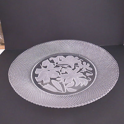 Fabulous vintage pressed glass dish/plate with intaglio flowers