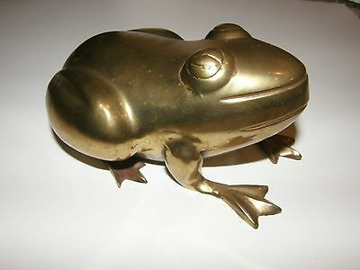 VINTAGE BRASS FLOWER Garden FROG Figure ART DECO MID CENTURY Hollywood Regency