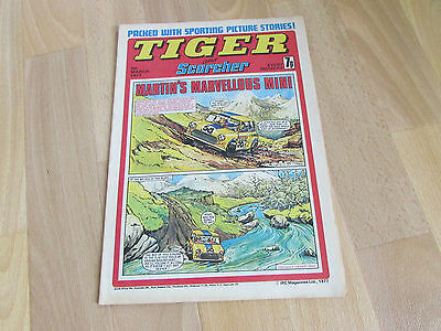 TIGER & Scorcher Comic Malcolm SIMMONS & Bolton FOOTBALL Team Picture 05/03/77