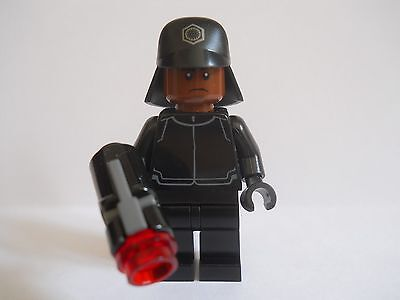 Lego Star Wars First Order Crew Member Mini Figure *** New *** From Set 75132
