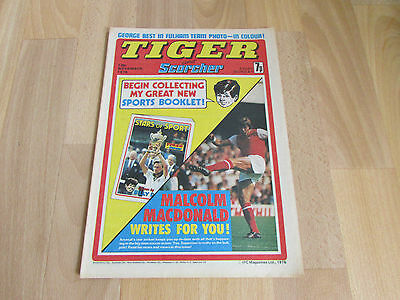 TIGER & Scorcher Comic George Best in Fulham FOOTBALL Team Picture 13/11/76
