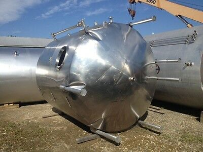 used 3500 3750 Gallon Stainless Steel Mix Tank Dish top and bottom