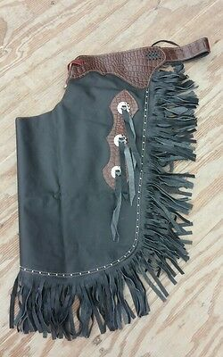 L Western chinks/chaps black smooth leather w/medium oil gator print yoke/concho