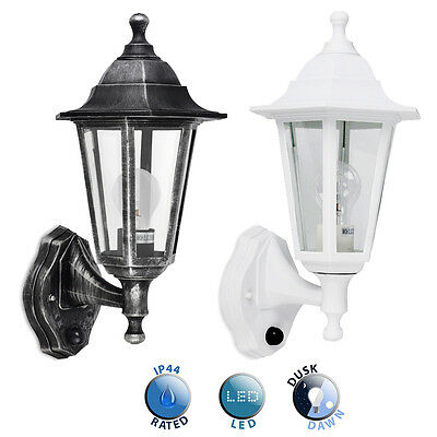 Traditional Style Exterior Outdoor IP44 Wall Lantern Dusk to Dawn Sensor