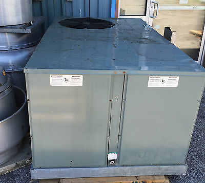 Rheem  / Rudd  Rknl-A060Ck13E Commercial 3 Phase Roof Top Heating / Cooling
