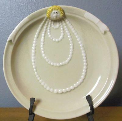 """Fitz and Floyd Vintage Plate Edith 1977 All in the Family 8.5"""" Woman with Pearls"""