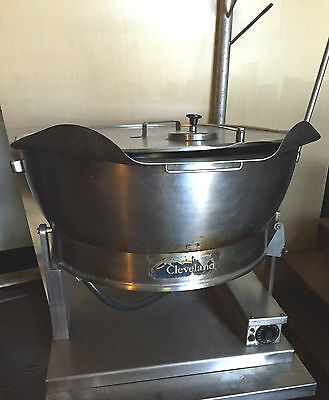CLEVELAND TILT SKILLET MODEL SET-15 ELECTRIC Brasier