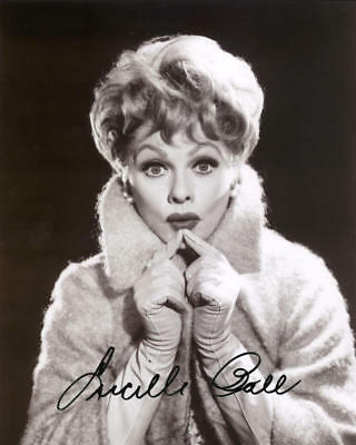 """1950S Lucille Ball Signed Reprint B&w Photo 8X10"""" W/gloves Autographed"""