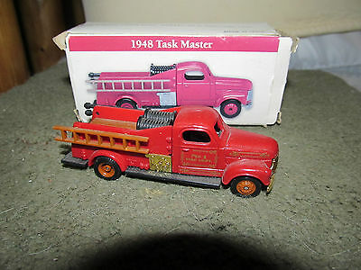 """Reader's Digest 1948 Task Master Fire Truck Collectible 3 1/2"""""""