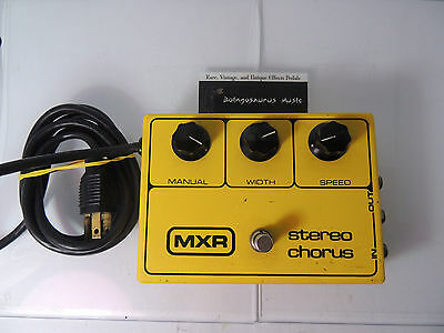 VINTAGE MXR STEREO CHORUS EFFECTS PEDAL BLOCK LOGO 80's FREE USA SHIPPING